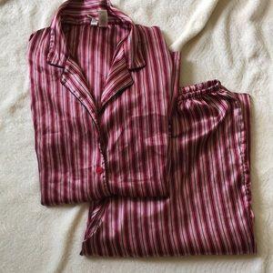 Ambrielle 2 piece pajama set satiny  size large